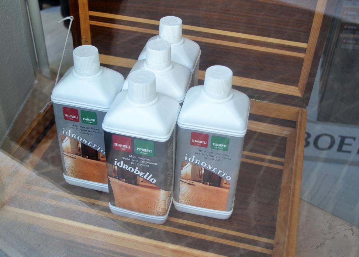 Prodotti per la manutenzione del pavimento in legno